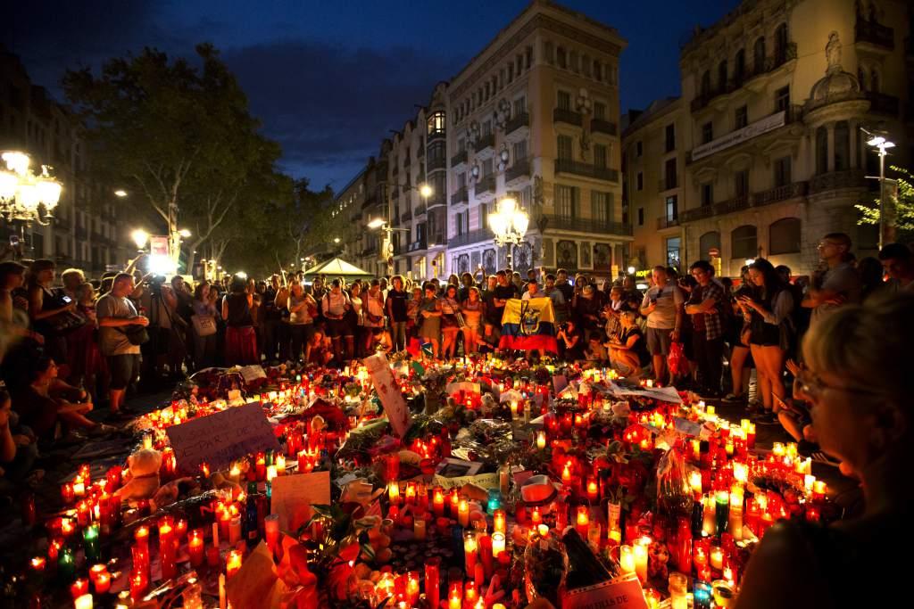 Concentración En Homenaje A Las Víctimas Del Terrorismo En Barcelona