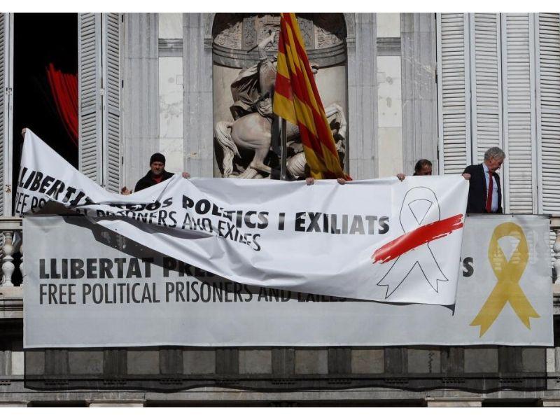 Sustitucion Pancartas Generalitat 1